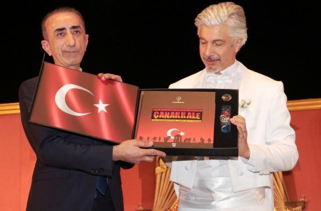 """Süheyl & Behzat Uygur Tiyatrosu  """"Marko Paşa Müzikali""""adlı oyunu sergilediler"""