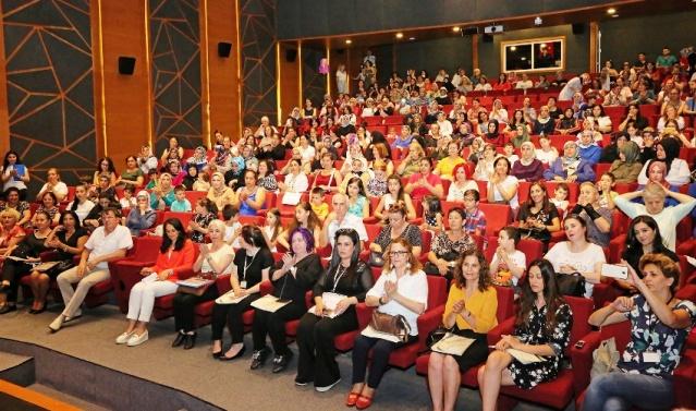 ATAŞEHİR'DE 750 KURSİYER SERTİFİKALARINI ALDI