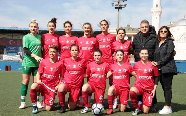 Ataşehir Bayan Futbol Takımı, Yenisahra Stadı