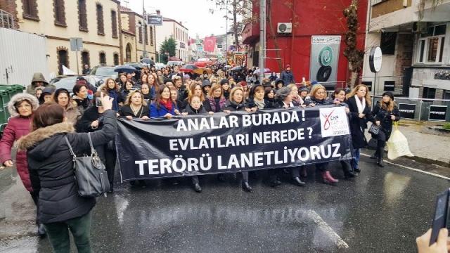 CHP'li Kadınlar Terörü Lanetlemek İçin yürüdü