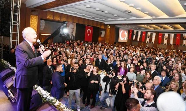 Kılıçdaroğlu Ataşehir'de öğretmenlerle buluştu