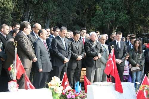 MHP Bayramlaşma ve Şehitlik Ziyareti