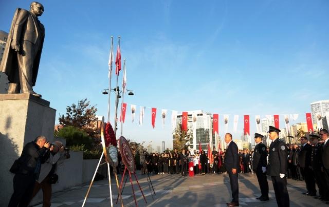 Mustafa Kemal Atatürk Ataşehir'de törenlerle Anıldı