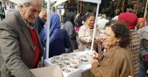 Ak Parti Ataşehir İlçe Kadın Kolları Aşure Dağıttı