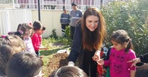 Ataşehir'de Çocuklar Baharı Lale Soğanı Dikerek Karşıladılar
