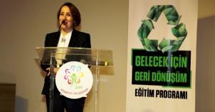 """Ataşehir'de Gelecek İçin Geri Dönüşüm"""" konulu eğitim semineri düzenlendi"""