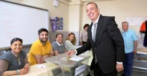 Battal İlgezdi, Gamze akkuş İlgezdi Referandum'da Oylarını Kullandı