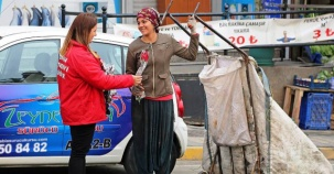 CHP Ataşehir Kadınlar Günü Gül Daıtımı 2017