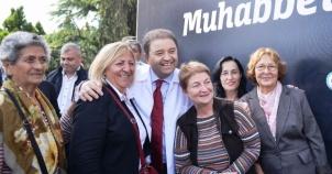 Maltepe'de 10 bin kişiye aşure dağıtıldı