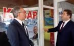 Murat Karayalçın, Kurşunlanan Mahalle Temsilciliğini ziyaret etti