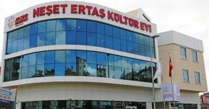 Ataşehir Neşet Ertaş Kültür Evi, Merkezi