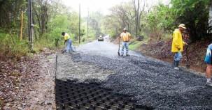Yeni Asfalt Yol Yapımı