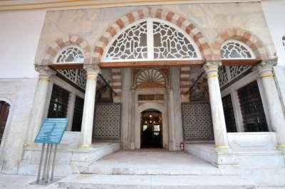 AYASOFYA'DAKİ OSMANLI PADİŞAH TÜRBELERİNE 450 BİN ZİYARETÇİ