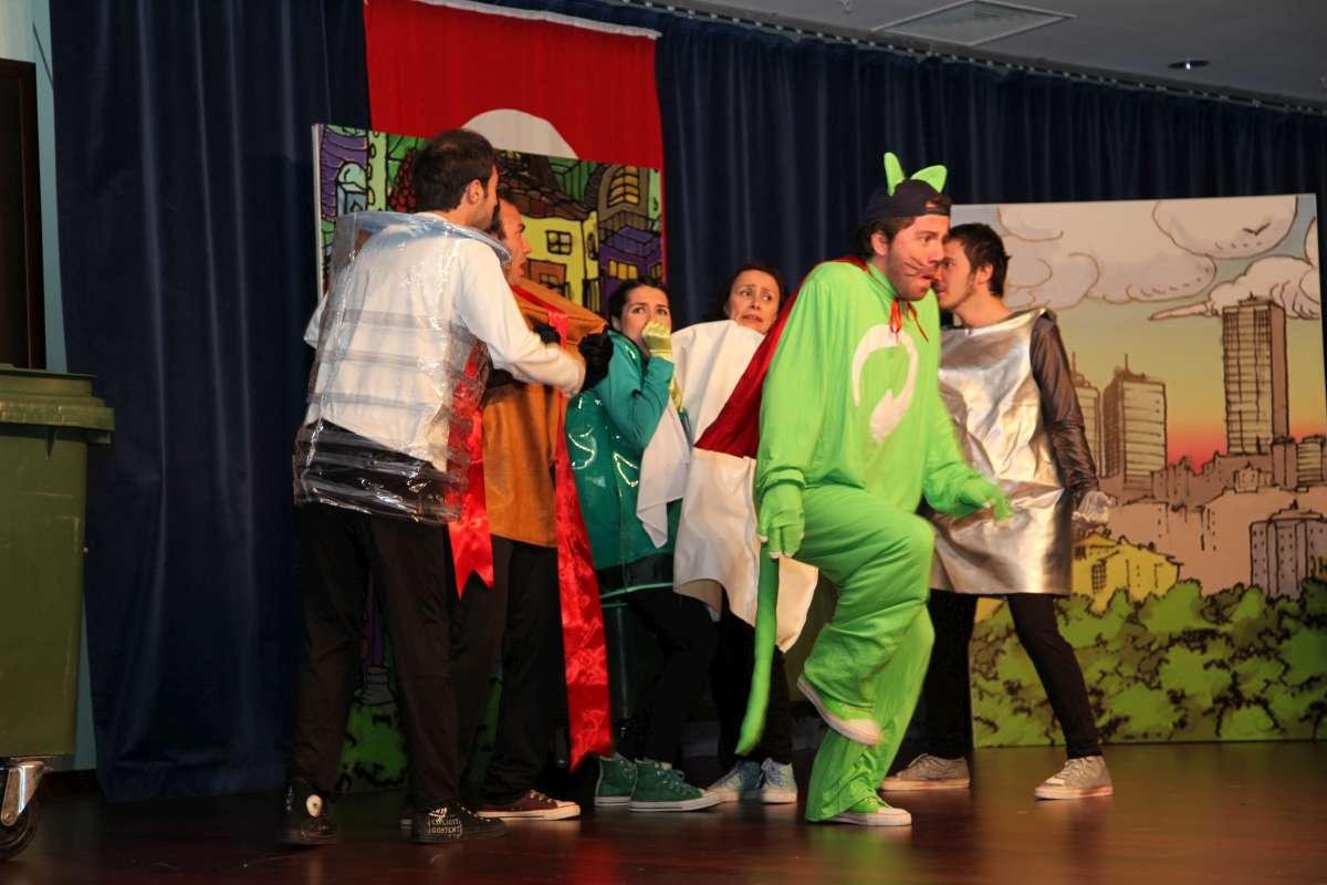 Ataşehir Belediyesi 1. Çevre Şöleni Haftası Çevreci Kedi Çevki oyunu ile başladı