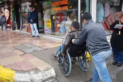 Kaldırım ve yollar engellilere göre dizayn edilecek
