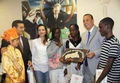 Türkçe Olimpiyatlarına katılacak  Öğrenciler Ataşehir Belediyesi'ni ziyaret etti
