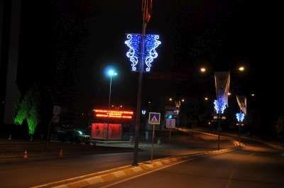 Tuzla'da Yollar Işıl Işıl…
