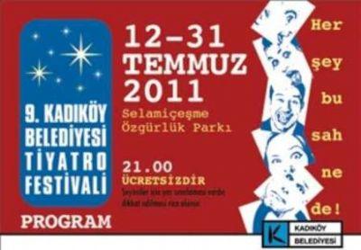 Kadıköy'de Yıldızlar Altında Tiyatro Keyfi Başlıyor Açık havada tiyatro keyfi bir başka...