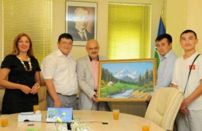 Kırgız Öğrencilerden Başkan Çelikbilek'e Ziyaret
