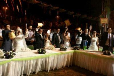Beykoz Belediyesi'nden Toplu Düğün Şöleni,  İstanbul Valisi Mutlu 31 çiftin nikah şahitliğini yaptı...