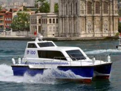 Deniz Taksi'ye binen Mehmet Kural adlı genç, denize düştü