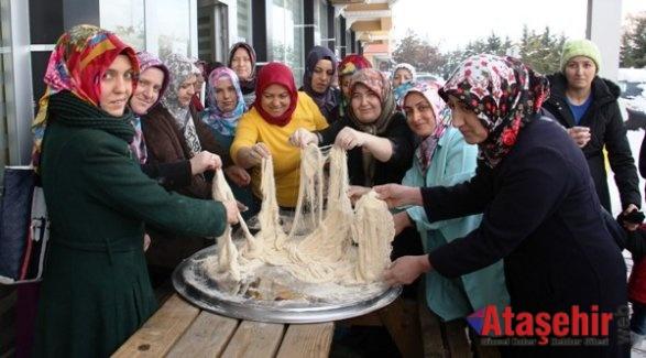 Çankırı'nın Meşhur Çekme Helva Kültürü Yaşatılıyor