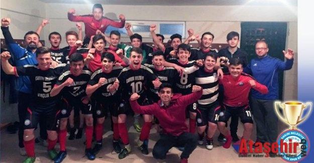 Çankırı'da U-17'ler Yetmez, U-19'lar da Şampiyon