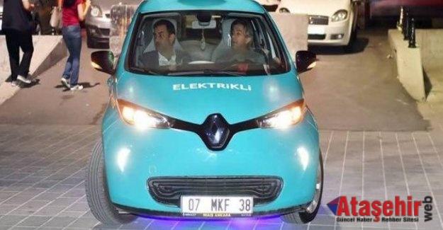 Elektrikli taksiler Taksim' de görücüye çıktı