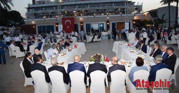 TÜMSİAD 40 BİN KİŞİYLE RAMAZAN'I UĞURLADI