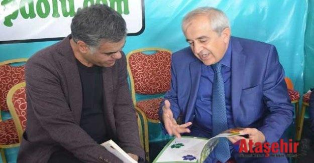 Süleyman Özışık Ataşehir Kitap Şenliğini ziyaret etti