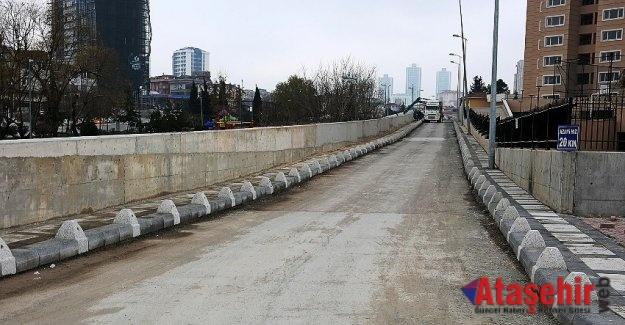 ATAŞEHİR'DE OCAK AYINDA 11 MAHALLEDE ALTYAPI ÇALIŞMASI YAPILDI