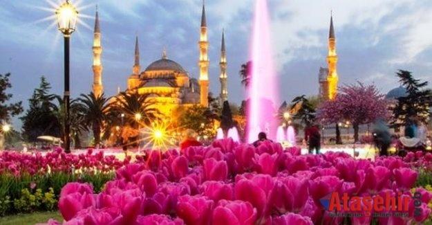 """İSTANBUL'DA """"ŞİMDİ LALE MEVSİMİ"""""""