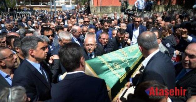 Kılıçdaroğlu amcasının cenaze törenine katıldı