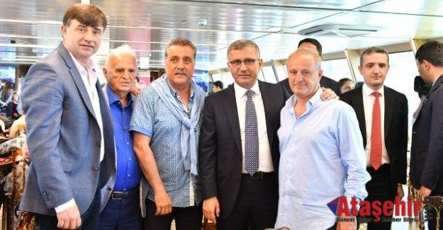 Fenerbahçe'li Yöneticiler Engellilerle Boğaz Turu Yaptı