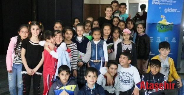 VANLI ÇOCUKLAR ÇOCUK FİLMLERİ FESTİVALİ'Nİ ÇOK SEVDİ!