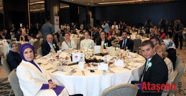 Emine Erdoğan, TOGEMDER iftarına katıldı