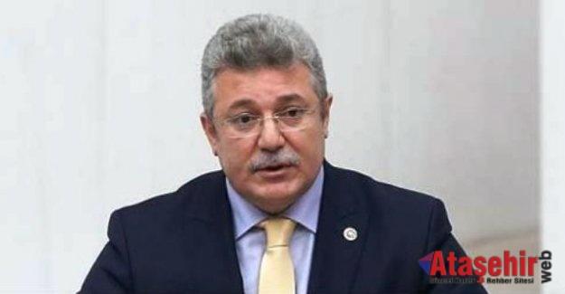 AK Parti'nin Grup Başkanı Muhammet Emin Akbaşoğlu oldu