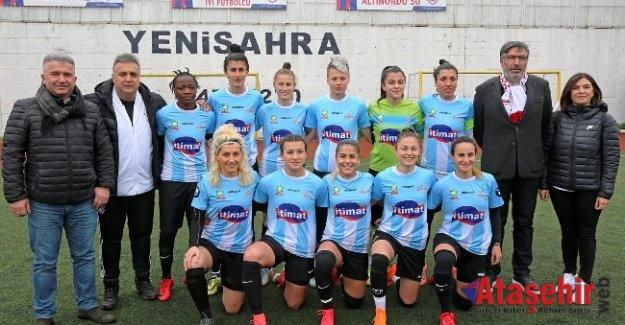 Ataşehir Belediyespor Futbol Takımı Slavia Prag'a 7-2 yenildi.
