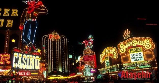 Çaldıkları Yarım milyon doları Las Vegas'ta kumarda harcadı