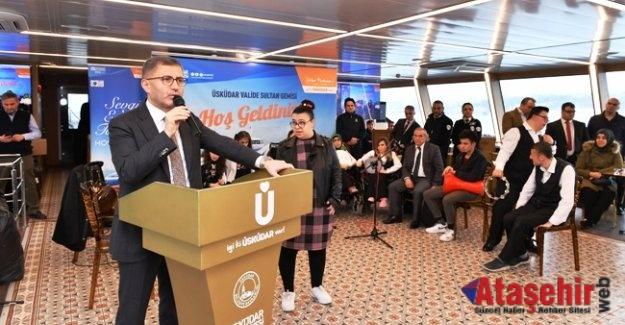 125 engelli çift, Sevgililer Günü'nün keyfini Boğaz turu eşliğinde çıkardı.