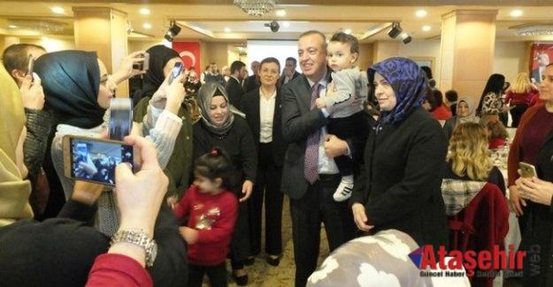 Battal İlgezdi, 14 Şubat Sevgililer Gününde Ataşehirli kadınlarla buluştu.