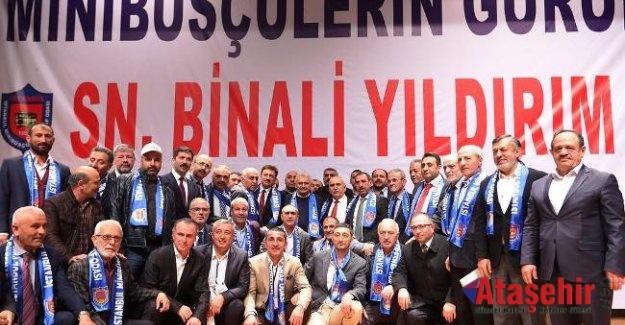 Binali Yıldırım Ataşehir'de servisçilerle buluştu