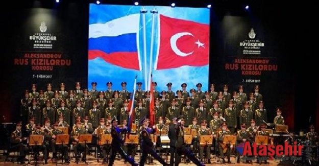 Kızılordu Korosu Sevdan Olmasa ile İstanbul'da
