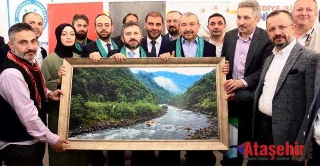 Rizeliler  Ataşehir'de  İsmail Erdem'le Buluştu
