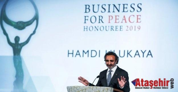 Hamdi Ulukaya iş dünyasının Nobel'ini aldı
