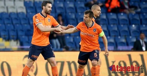 Medipol Başakşehir MKE Ankaragücü'nü 2-1 yendi