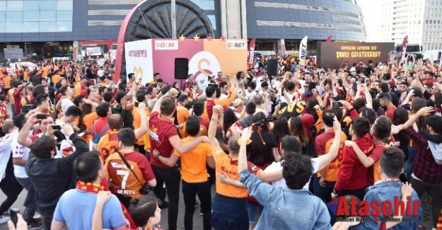 Şampiyon Galatasaray'a Türk Telekom sponsorluğunda özel kutlama
