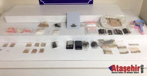 Ataşehir'de uyruklu uyuşturucu satıcıları yakalandı