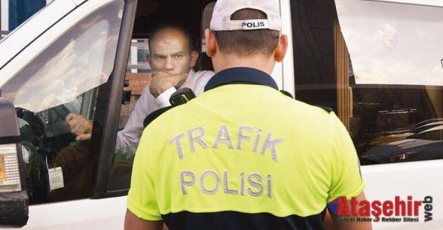 Servisçi öğrencileri bırakıp kaçtı.