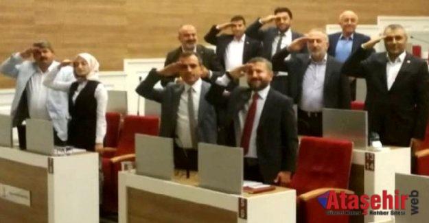 AK Parti Ataşehir Belediye Meclis Grubu'ndan asker selamı